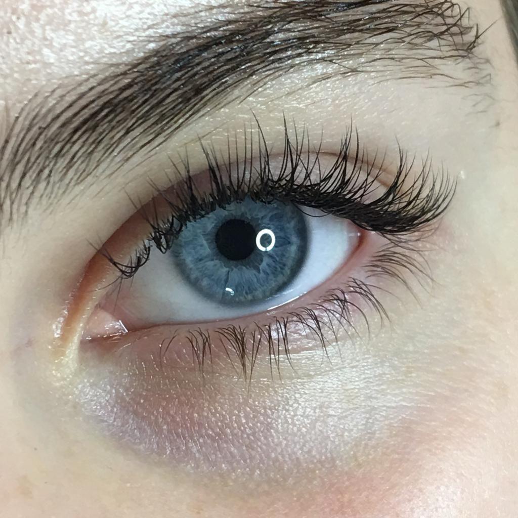 Beauty Salon, Eyebrows & Lashes - Victoria Beauty