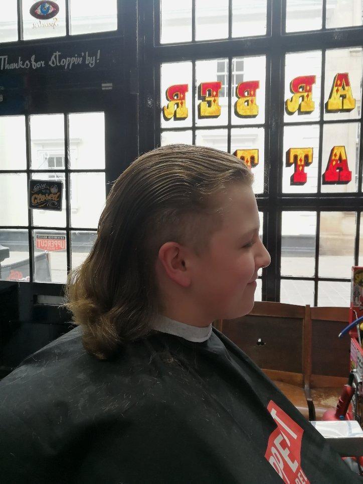 Barber Shop - Greasy Fingers Barbershop
