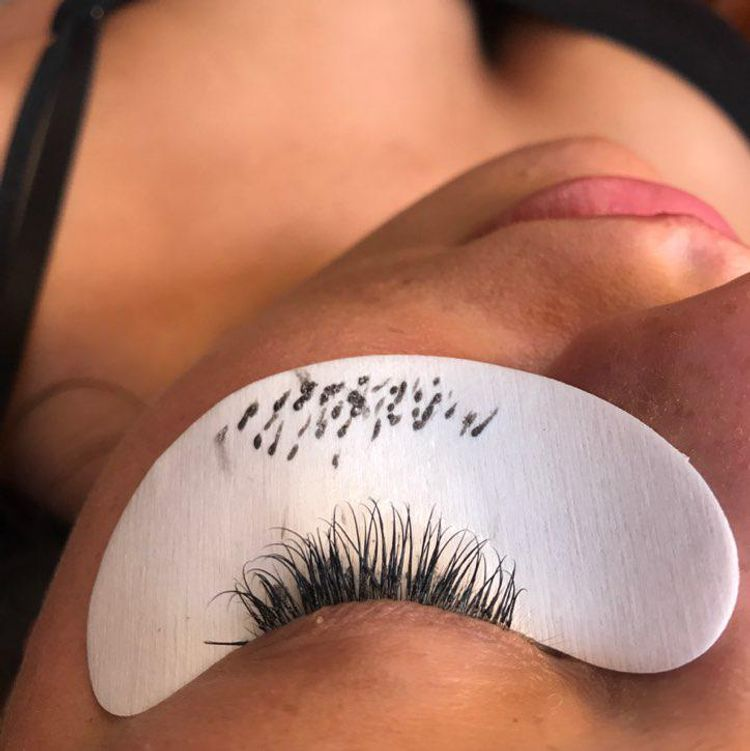 Individual eyelash extension by chavonne @ BB's buttershaw